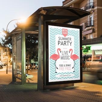 Mockup de cartel en parada de autobuses