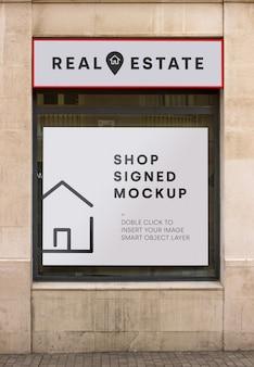 Mockup cartellone immobiliare