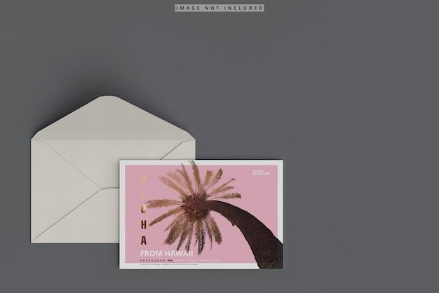 Mockup cartolina con busta