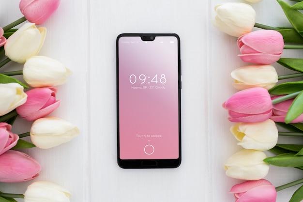 Mockup concetto di primavera mobile