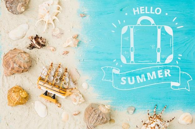Mockup de copyspace en flat lay con concepto de verano