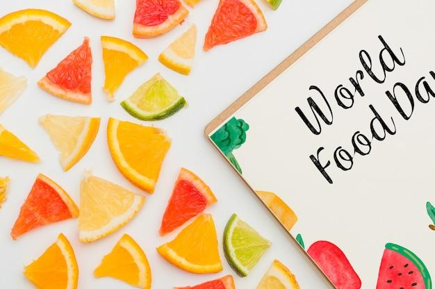 Mockup de cover cortado con frutas