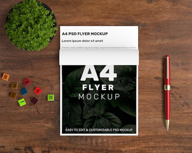 Mockup creativo a4 flyer