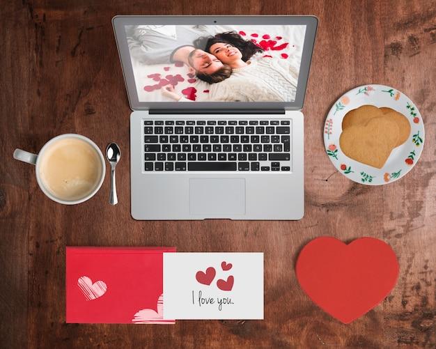 Mockup creatore di scena modificabile con il concetto di giorno di san valentino
