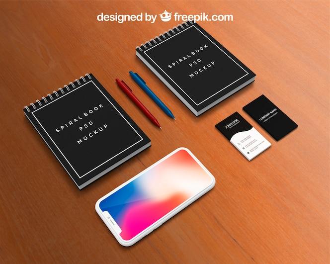 Mockup de calendario y smartphone