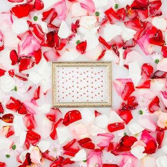 Mockup de marco con flores