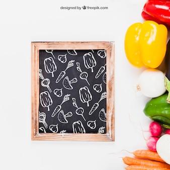 Mockup decorativo de comida sana con pizarra