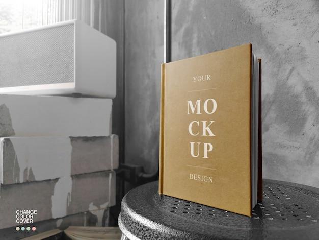 Mockup del libro di copertina del mestiere a5