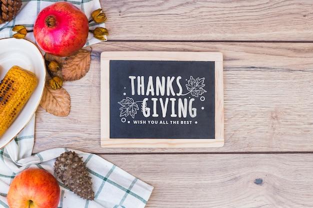 Mockup del ringraziamento con ardesia