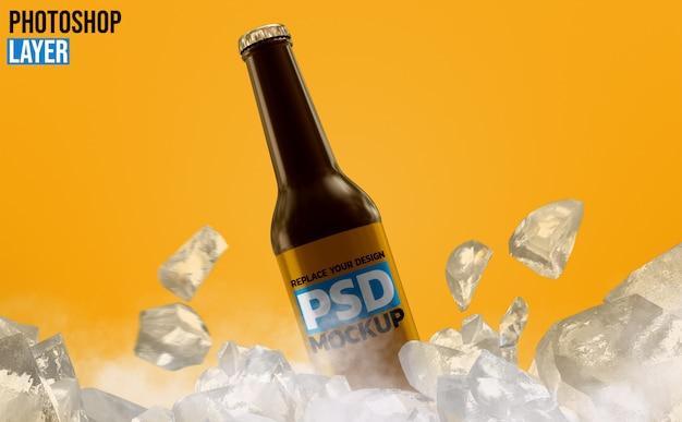 Mockup di bottiglia di birra in vetro ambrato