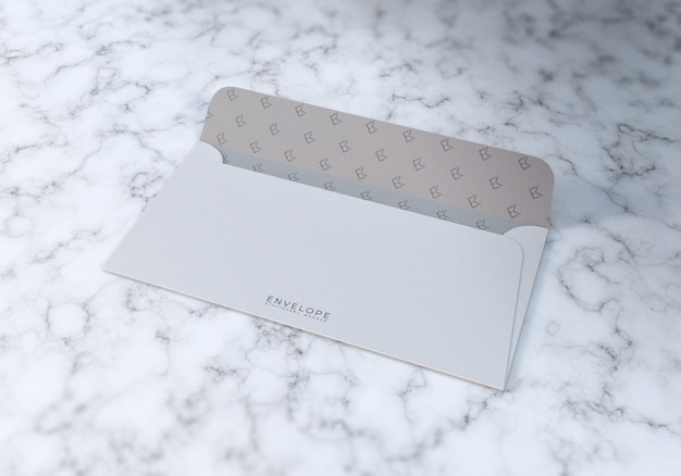 Mockup di busta mezzo aperto con marmo bianco texture sfondo