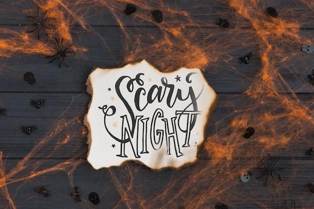 Mockup di carta bruciata con il concetto di halloween