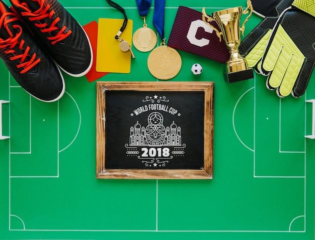 Mockup di coppa del mondo di calcio con ardesia