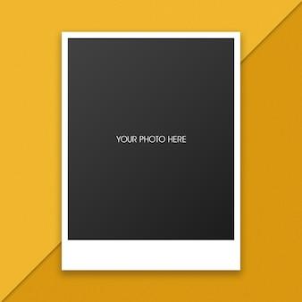 Mockup di cornici fotografiche polaroid per il tuo design