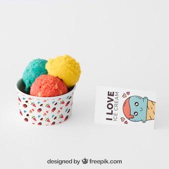 Mockup di gelato creativo con il concetto di cancelleria