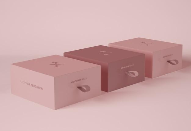 Mockup di imballaggio di tre scatole