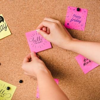 Mockup di note adesive creative