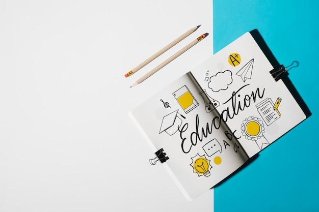 Mockup di notebook per il concetto di educazione