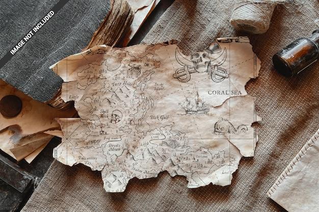 Mockup di scena vintage foglio di carta strappata