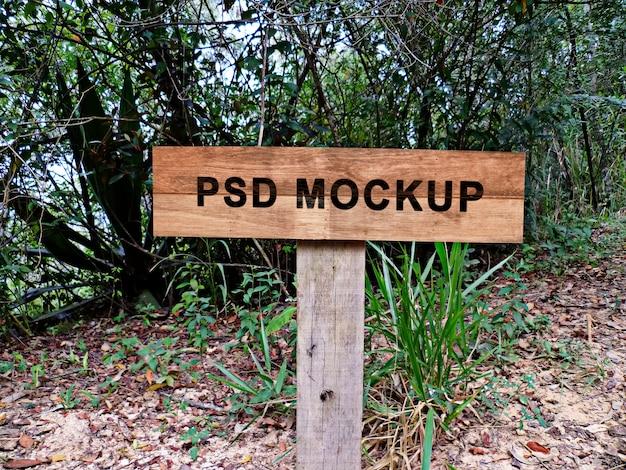 Mockup di segno di legno