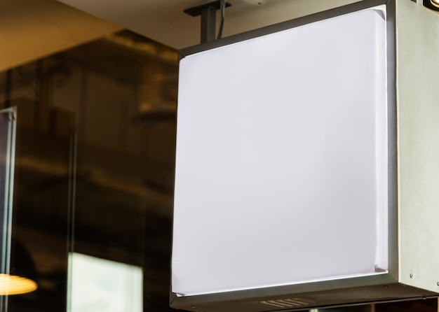 Mockup di tabellone per le affissioni in bianco