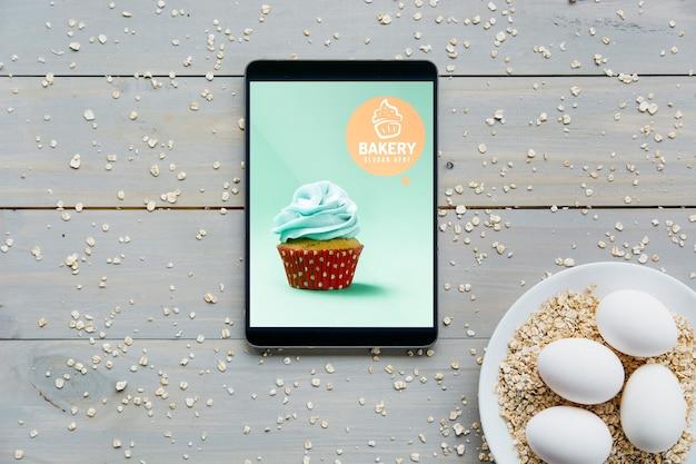 Mockup di tablet con il concetto di cucina