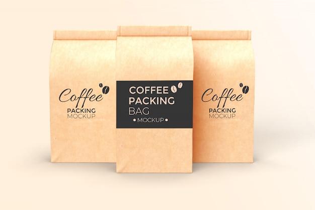 Mockup di tre sacchetti di carta caffè psd