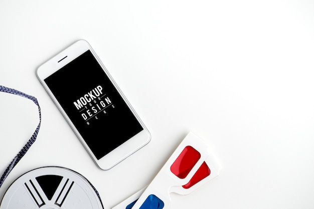 Mockup di un telefono cellulare con bobina e occhiali 3d