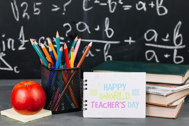 Mockup del día mundial del profesor con libreta