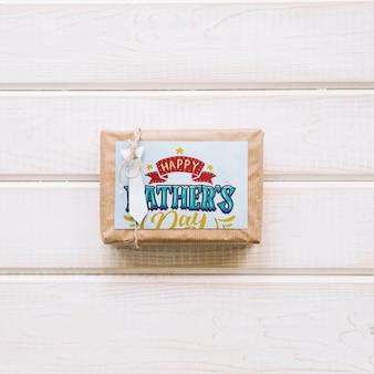 Mockup para el día del padre con caja de regalo