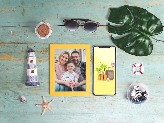 Mockup editable flat lay de marco con elementos de verano