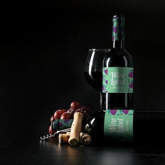 Mockup elegante de vino con botella