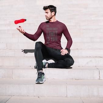 Mockup de fitness con hombre en escalera