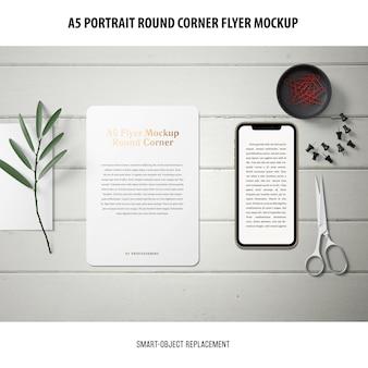 Mockup flyer ad angolo tondo a5