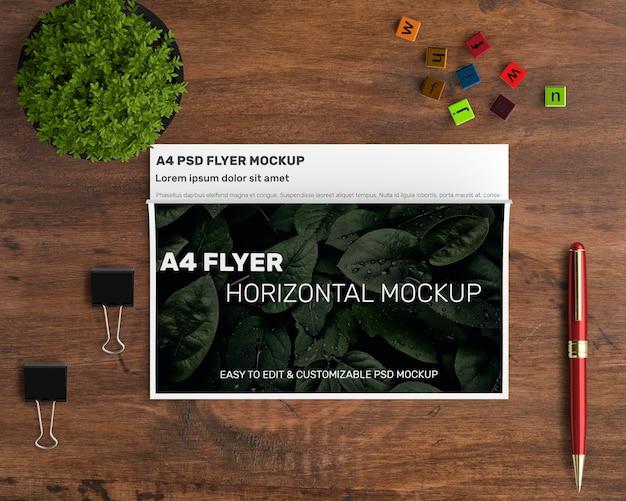 Mockup de flyer horizontal a4