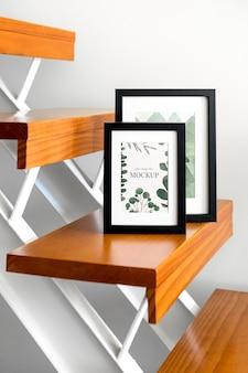 Mockup-frames op trappen