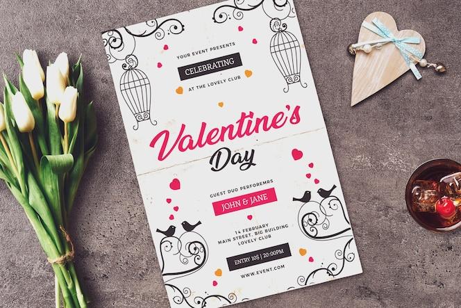 Mockup de invitación con diseño de san valentín