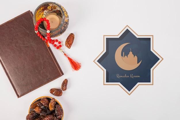 Mockup met ramadan concept Gratis Psd