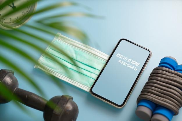 Mockup mobiele telefoon voor be active tijdens viruspandemie. vecht tegen covid-19