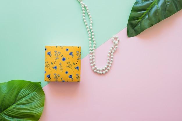 Mockup de packaging con concepto de joyería