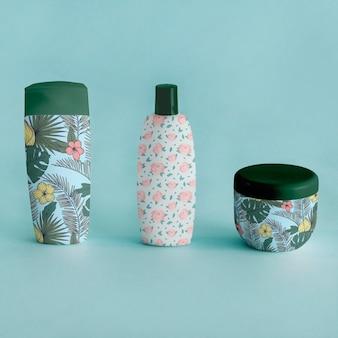 Mockup de packaging con productos de belleza