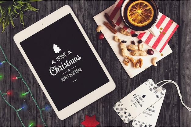 Mockup de pantalla de tableta con diseño de navidad