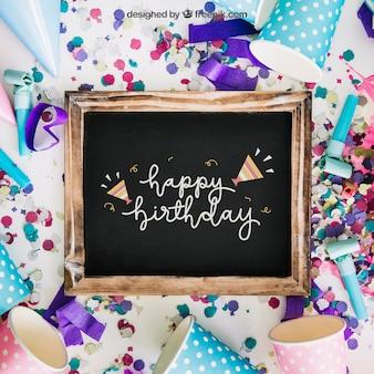 Mockup de pizarra con diseño de cumpleaños