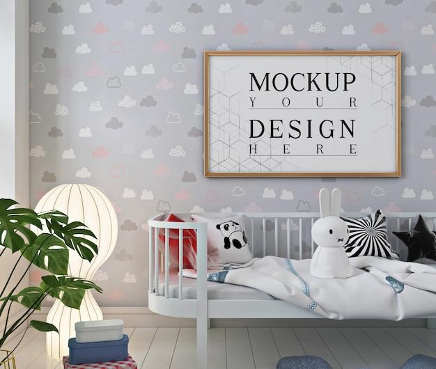 Mockup posterframe in de moderne babykamer