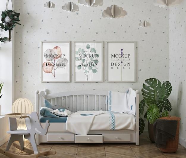 Mockup posterframe met moderne en witte babyslaapkamer