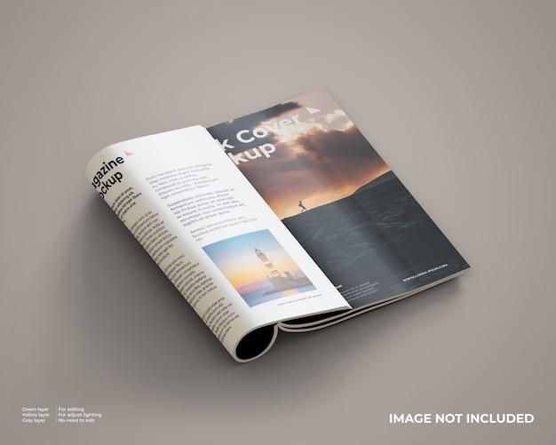 Mockup rivista piegato lato destro interno e copertina