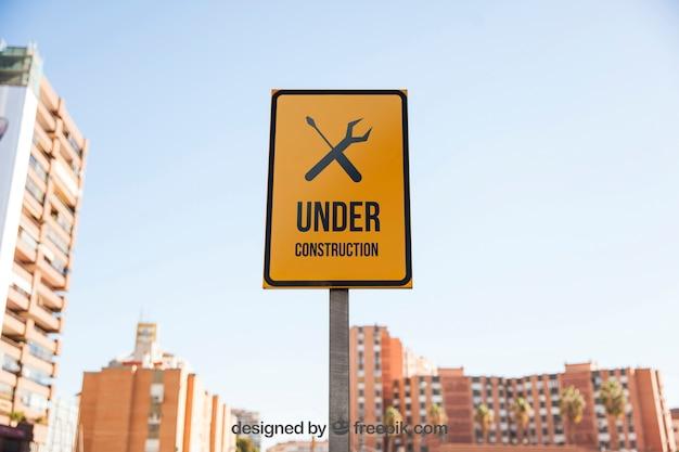 Mockup de señal de en construcción