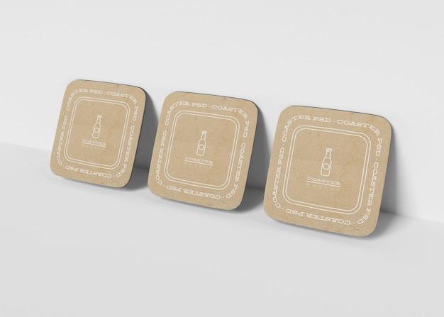 Mockup-set voor vierkante onderzetters