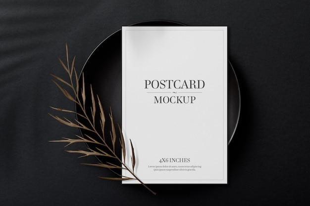 Mockup-sjabloon voor briefkaart en uitnodigingskaart