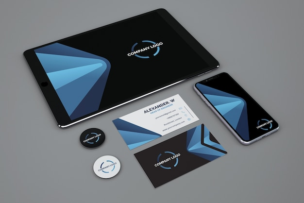 Mockup stationery con tableta y smartphone